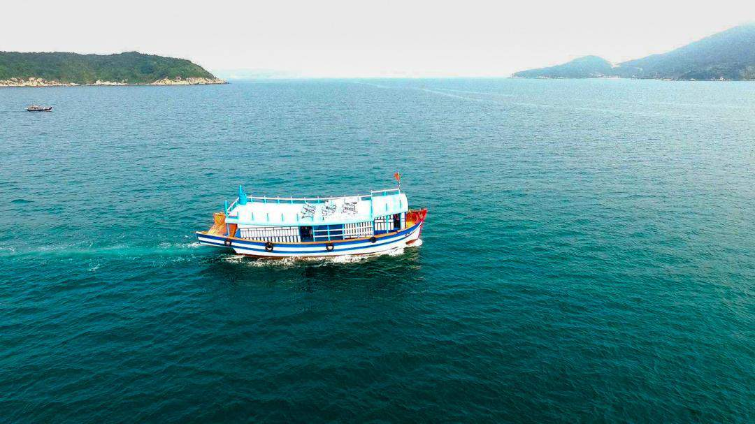 da nang to cham island by wooden boat